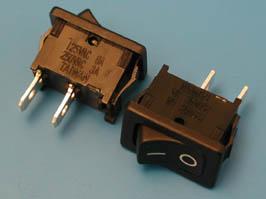 Выключатель 2 конт.18х13мм B100G крепл. защелка (черн)